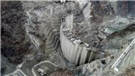 Türkiye'nin en yüksek barajında gövde yüksekliği 262 metreye ulaştı