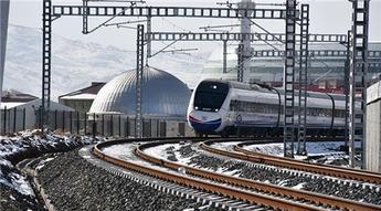 Ankara-Sivas YHT hattının performans testlerini yapan tren Sivas'a geldi