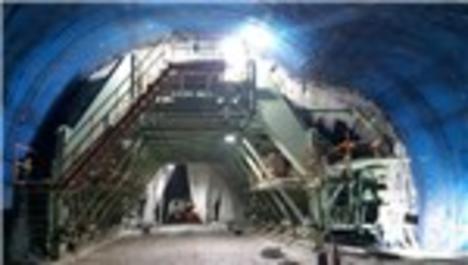 Türkiye'nin en uzun üçüncü tüneli olacak Eğribel Tünelinde sona doğru