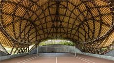 Bambudan yapılan badminton sahası!