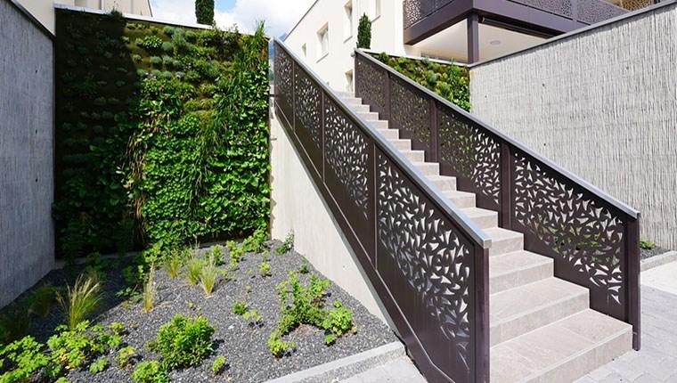Dekoratif merdiven kenarlıkları