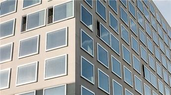 Yüksek binalarda uygulanabilen sürgülü açılan pencere ve kapılar