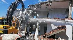 Bodrum'da imara aykırı yapıların yıkımı devam ediyor