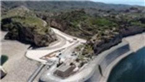 Hasankeyf'teki Küçük Saray'ın baraj suyundan etkilenmemesi için yükseltme çalışması yapılıyor
