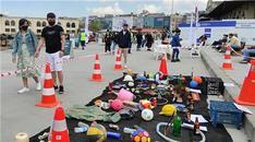 Dalgıçlar Kadıköy İskelesi'nde su altı temizliği yaptı