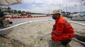 İstanbul'da müsilaj temizleme çalışması başlatıldı