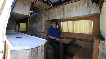 Elazığlı girişimci atıl durumdaki otobüs ve minibüsleri karavana dönüştürüyor