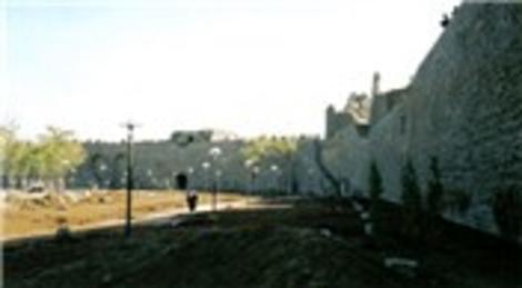 Diyarbakır surları TOKİ'yle canlanacak