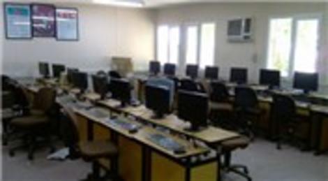 Soyak, çocuklar için bilgisayar odası kurdu