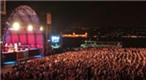 Kuruçeşme Arena Konserleri Ozan Çolakoğlu ile başlıyor!