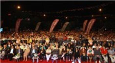 Ataşehir Kardeş Kültürler Festivali Mustafa Ceceli konseri ile sona erdi!