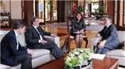 Abdullah Gül'e evsiz milyarderden davet!