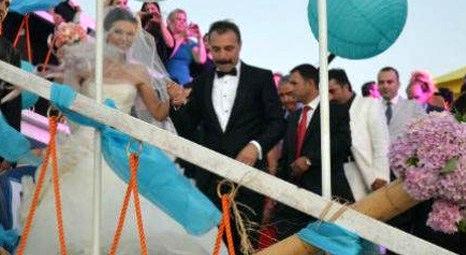 Oktay Kaynarca Melek Angun'la Kilyos Solar Beach'te evlendi!