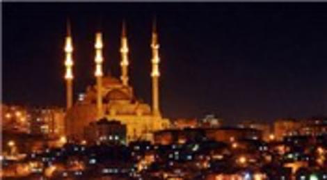 K. Maraş'taki Abdülhamit Han Camii'nin mimarı Çamlıca'ya da benzerini yapacak!