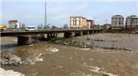 Zonguldak Çaycuma'da selle yıkılan köprü ihaleye çıkıyor!