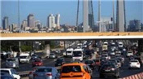 Fatih Sultan Mehmet Köprüsü'nde bir şerit daha trafiğe kapandı!
