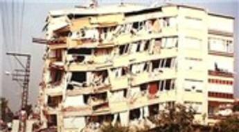 İzmit'te depremde hasar gören 3 bin 756 bina yıkılacak!