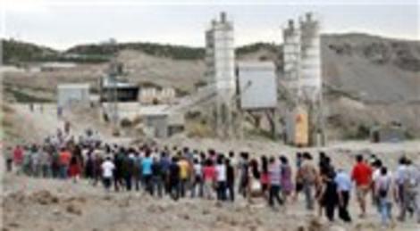 Elazığ Karakoçan'daki Pembelik Barajı inşaatını çevreci göstericiler bastı!