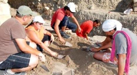Antalya Demre'de yapılan kazılarda Anadolu heykeli bulundu!