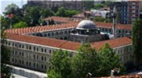 Kasımpaşa'daki 230 yıllık Kalyoncu Kışlası'nın yerine AVM mi inşa edilecek?