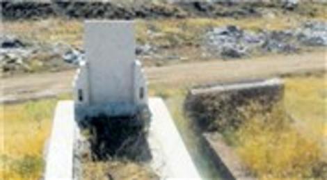 Kırıkkale'deki Yeni Mezarlığı moloz çöplüğüne çevirdiler!