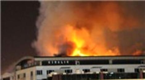 İstanbul Bahçelievler'deki Cebeci Triko Fabrikası'nda yangın çıktı!
