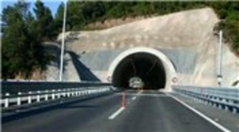 Duble yol yapımındaki aksamalar bayram trafiğinin başlıca sebebi oldu!