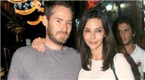 Hande Ataizi ile Benjamin Harvey'in Lavanda Otel'deki kır düğünü 200 bin liraya mal olacak!