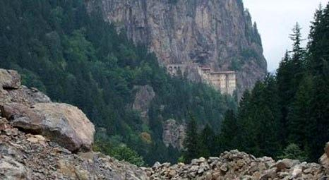 Trabzon Sümela'da kayak tesislerine ulaşım yolu için 6 bin çam ağacı kesildi!