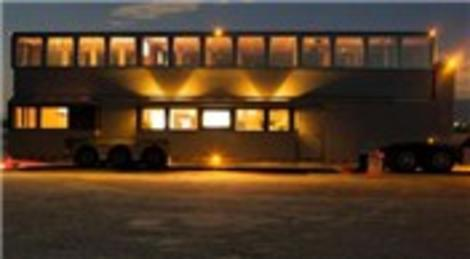 Simon Cowell, 2 milyon dolarlık karavanıyla Amerika'yı dolaşıyor!