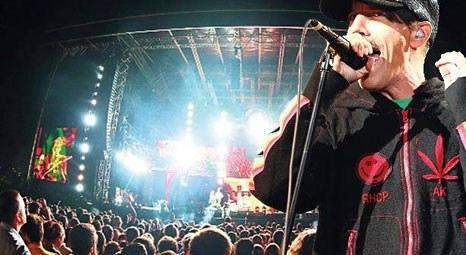 ABD'li rock grubu Red Hot Chili Peppers, Santralistanbul'da konser verdi!
