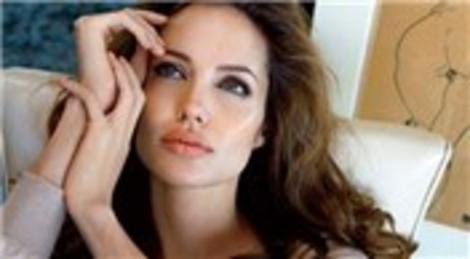 Angelina Jolie, Türkiye'ye geliyor! Yarın Çankaya Köşkü'nde Abdullah Gül'ü ziyaret edecek!