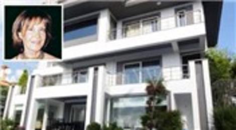Revan Sadıkoğlu, Bellevue Residences'tan taşınıp, Acarkent'te 4 milyon TL'ye villa aldı!