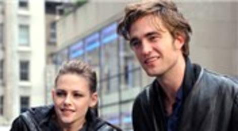 Kristen Stewart ile Robert Pattinson barıştı!