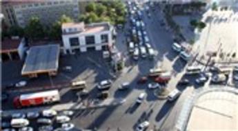 Esenyurt Belediyesi Cumhuriyet Meydanı yol kavşak yapımına devam edecek!