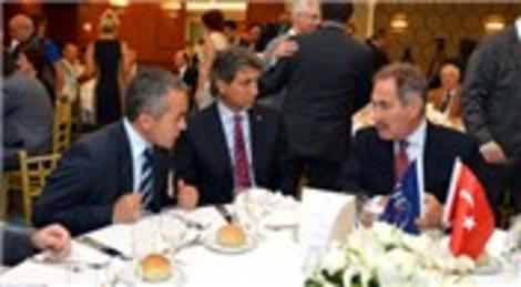 Ertuğrul Günay ve Mustafa Demir, Dünya Turizm Günü'nde bir araya geldi!