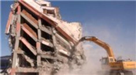 Kentsel dönüşüm için yıkılan binaların hafriyatı yol yapımında kullanılacak!
