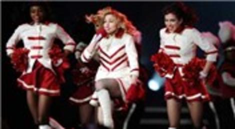 Türk Telekom Arena'da yapılan Madonna konseri sahanın drenaj sisteminde arıza oluşturdu!