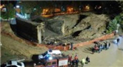Kocaeli Derince'de inşaat halindeki köprü çöktü!
