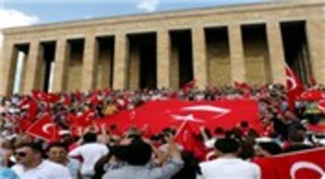 Bu yıl 10 Kasım'da Anıtkabir'i 413 bin 568 kişi ziyaret etti!