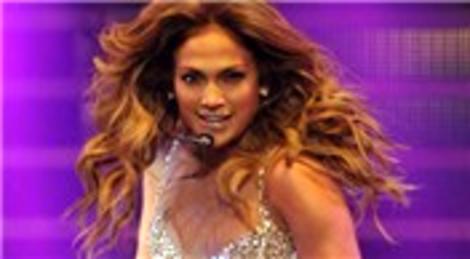 Jennifer Lopez, İstanbul'daki ilk konserini Ataköy Atletizm Arena'da verdi!