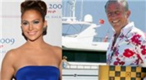 Jennifer Lopez, Anadolu Yakası'na Ali Ağaoğlu'nun 'Aga' adlı teknesiyle geçti!