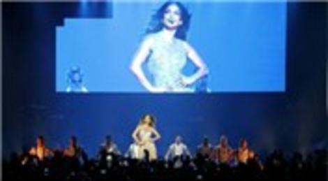 Jennifer Lopez, İstanbul'daki ikinci konserini Ülker Sports Arena'da verdi!