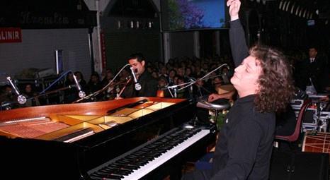 Piyanist Tuluyhan Uğurlu, Sirkeci Garı'nda konser verecek!