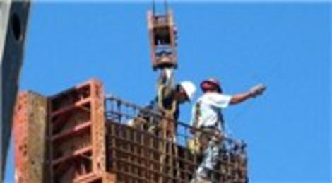 Tokat'ta, inşaatta beton dökülen kalıbın çökmesi sonucu 1 işçi yaralandı!