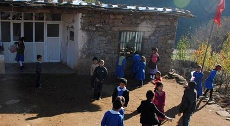 Hakkari'de okulu bulunmayan köyde, bir ev okula dönüştürüldü!