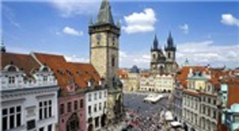 Prag'da evsizler alternatif tur düzenliyor! Sıra dışı turist rehberlerine ilgi yoğun!