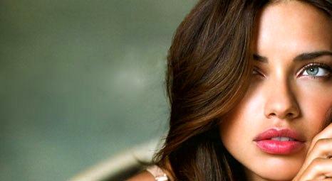 Antalya Dosso Dossi Fashion Show'a Adriana Lima'nın da katılması bekleniyor!