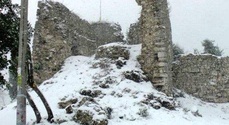 Akçakoca'daki Tarihi Ceneviz Kalesi'nin duvarları çöktü!