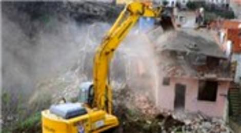 Kentsel dönüşümde riskli binalar için düzenlenen raporlar saatli bomba gibi!